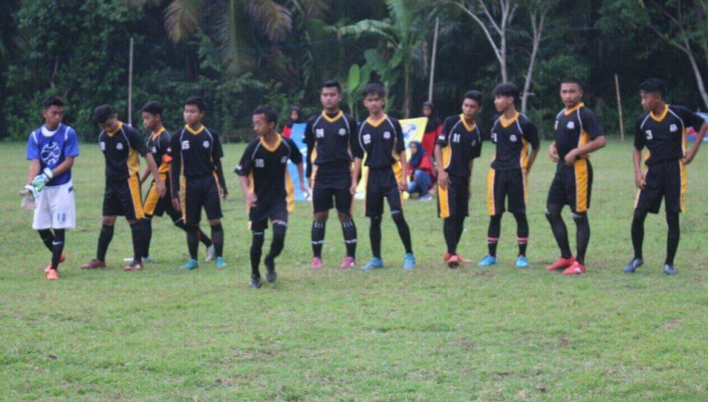 Tim Green Camp Pangandaran sebelum memulai pertandingan